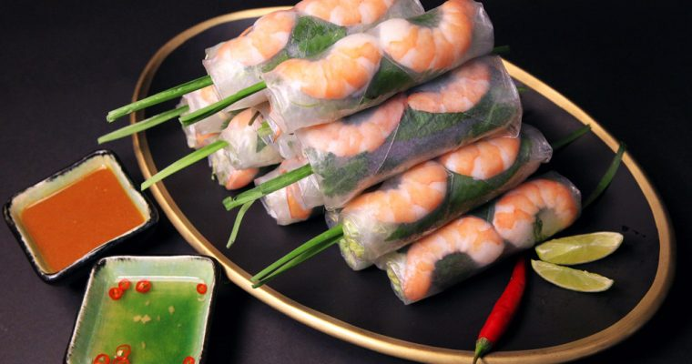 Fresh Salad Rolls with Shrimp